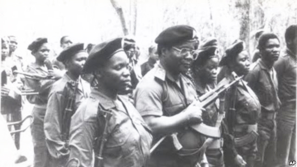 Dhlakama and Renamo fighters