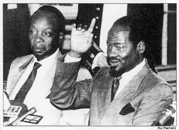 Mocumbi and Chissano in Lisbon